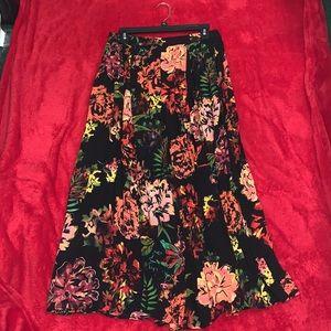 Life Style Pleated Crinkle Skirt
